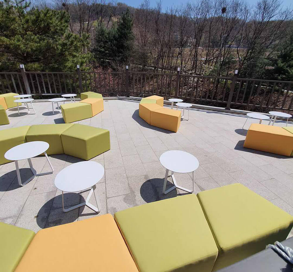 Custom made Patio outdoor furniture for Korea Coffee Shop